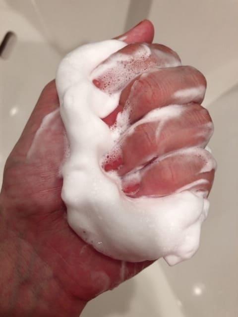 肌をうるおす保湿洗顔フォーム(松山油脂株式会社)
